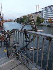 Fahrrad-Parkplatz - oder Kunst?