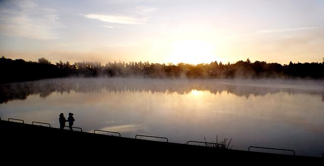 Le soleil se lève, la brume s'élève...