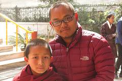 Moines à Boudhanath = Bodnath, Kathmandu (Népal)