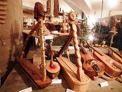Unikaj popolaj gravuritaj harpetoj