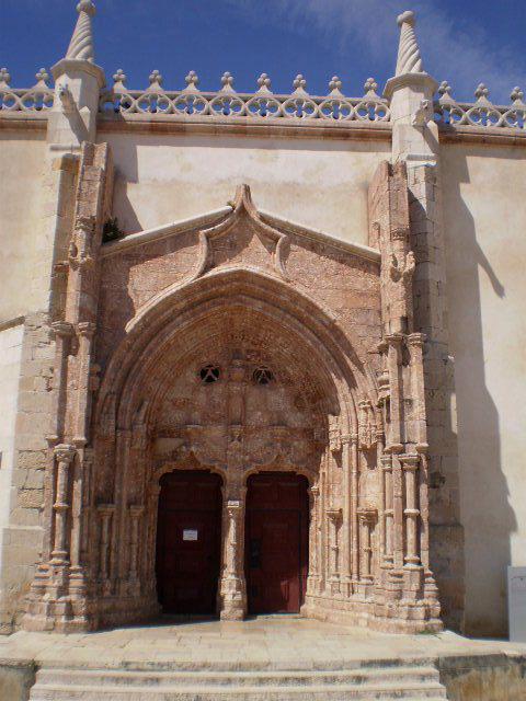 Manueline doorway.