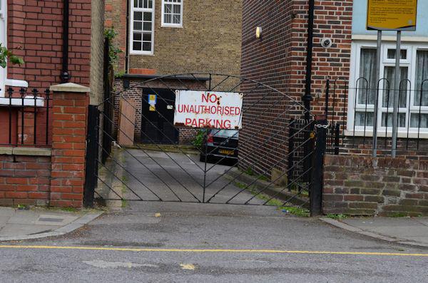 No unauthorised parking