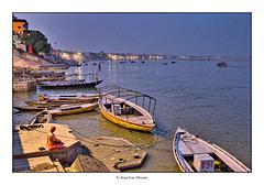 Varanasi by night !