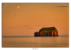 Suðurey in sunset and the moon