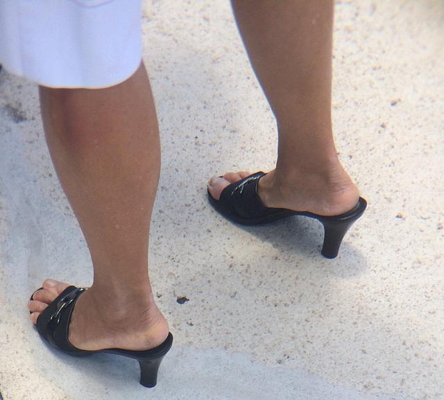 black aerosoles heels