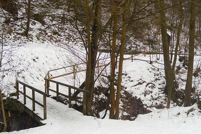 Snowy bridge HFF!