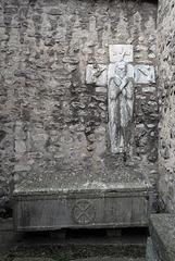 Abadia de Santa Maria d'Arles de Tec, La Santa Tomba