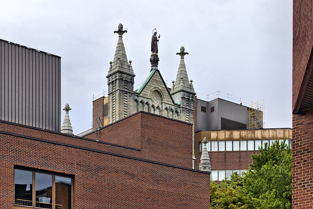 UQÀM – St-Denis Street near Ste-Catherine, Montréal, Québec