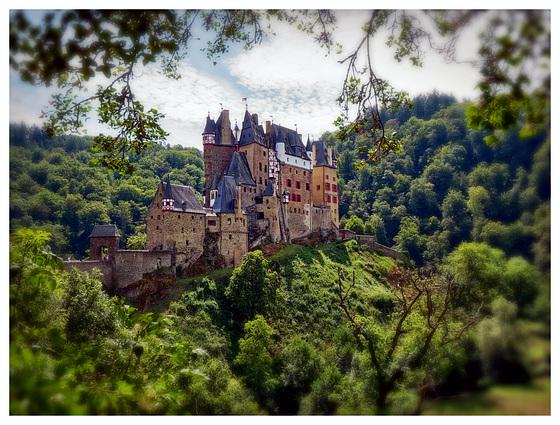 Burg Eltz (PiP)