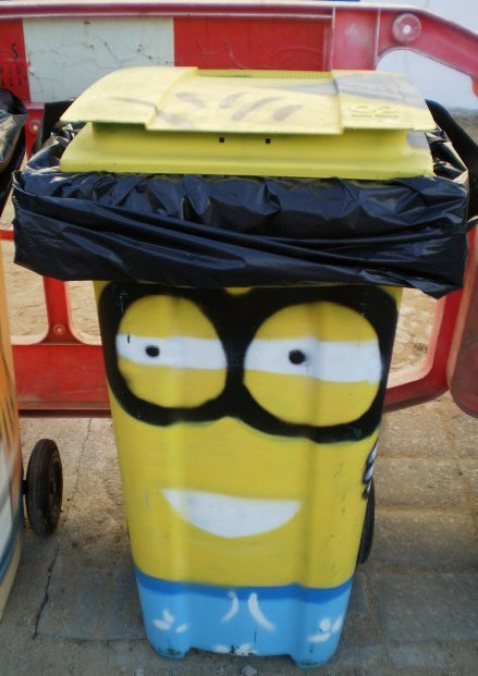 Container with glasses.