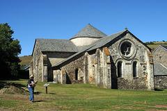 A proximité du village de  Chassagne (63), l'Abbaye de Megemont