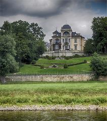 Living riverside the Elbe (2)