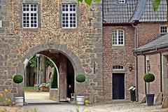 Schlosseinfahrt