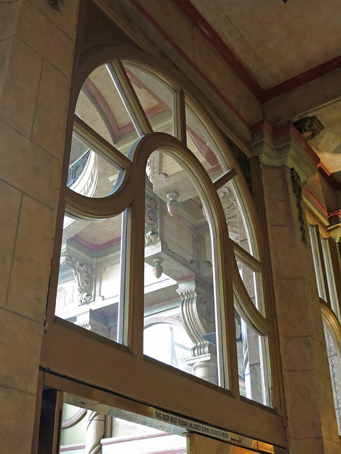 Hotel Cecil Lobby Entrance (3127)
