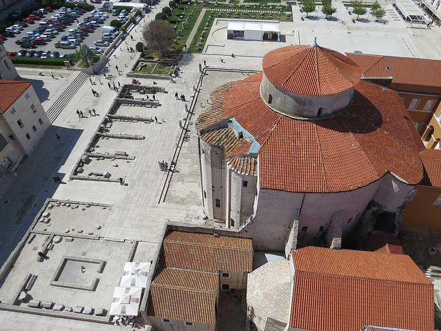 En haut du campanile de la cathédrale : le forum.