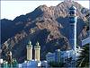 Mutrah : 2 moskee e un pò di lampioni dorati