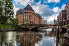 Hamburg - Alsterfleet und Heiligengeistbrücke (210°)