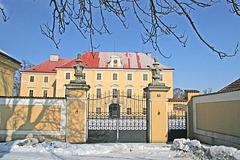Kastelo en Zdechovice, distrikto Pardubice