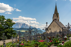 Friedhof und Friedhofskapelle der Pfarrei Villanders