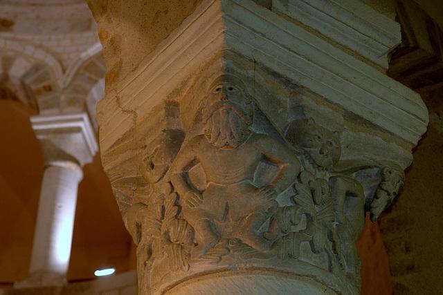 Chapiteau - Eglise de Neuvy-St-Sépulchre
