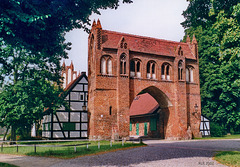 Neubrandenburg, Friedländer Tor, Feldseite des äußeren Tors