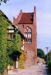 Neubrandenburg, Stadtmauer mit Wiekhaus und Treptower Tor