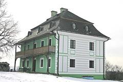 Baroka paroĥa domo en Vysoké Chvojno, distrikto Pardubice