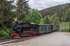 99 1715-4 bei der Einfahrt zum Bahnhof Schmalzgrube
