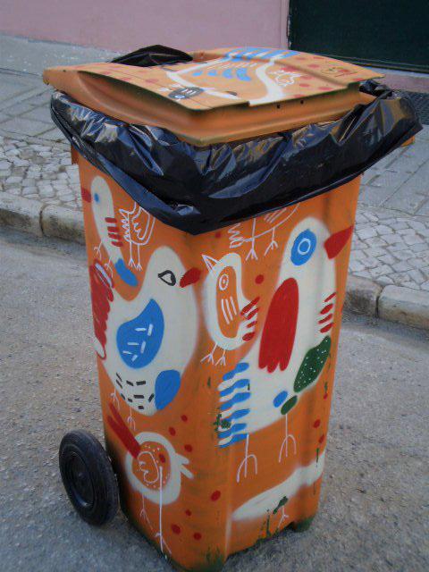 Birds container.