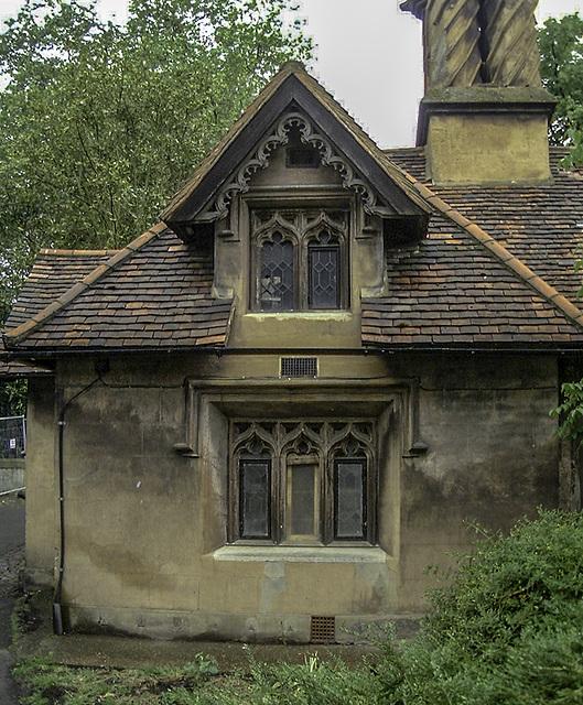 Gatehouse building details