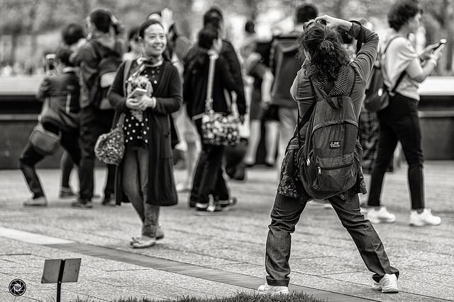 """""""Souriez ..... vous êtes peut-être photographié"""""""