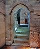 Avignon : un passaggio interno tra grandi stanze decorate