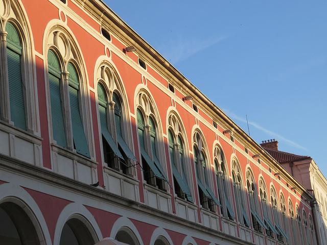 Split, place de la République : les procuraties.