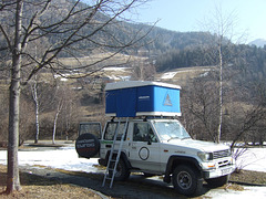 Land Cruiser with roof tent