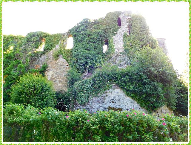 Ruines du château de Coetquen