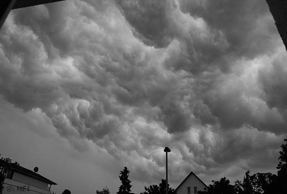 Wolken über Isenburg