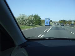 DSCF8883 Go-Whippet (Whippet Coaches) LN51 AZW