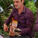 Anthony à la guitare et chant