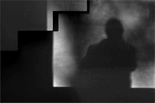 Sombritude* (2) - Compo avec escalier et moi-même