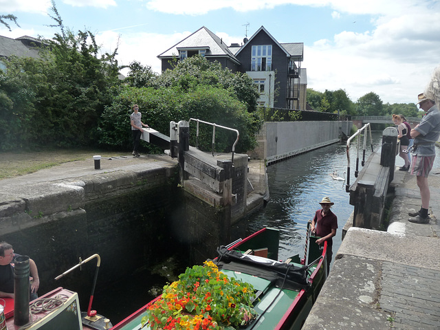 Coppermill lock ~ Grand Union Canal ~ Harefield, just up from the Coy Carp pub
