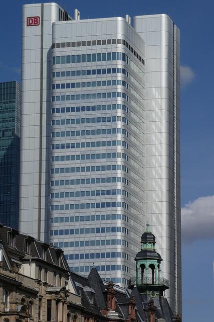 "Der ""Silberturm"" in Frankfurt/ Main (PiP)"