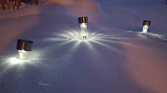 Strahlende Lichter im Schnee