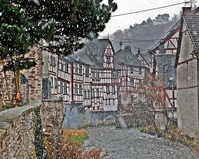 Monreal - Fachwerkhäuser an der Elz