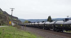Bingen WA oil train (#0452)