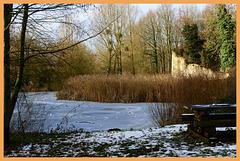 Sit opposite Ruïne castle  Jan van Eyck   (Hbm)