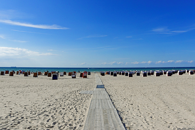 der breiteste Sandstrand an der deutschen Ostseeküste (© Buelipix)