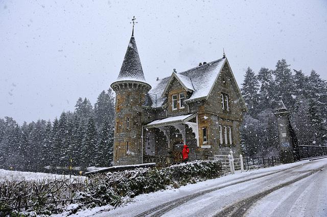 .ardverikie gate house
