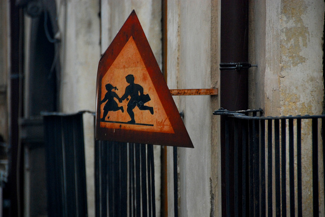 Achtung, laufende Kinder