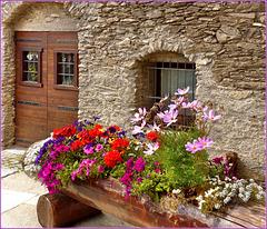Jouvenseaux : le vecchie case ristrutturate e infiorate