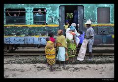 La nuit tombe sur le train Fianarantsoa-Manakara